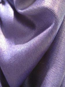 bahan polyester yang terkesan mewah