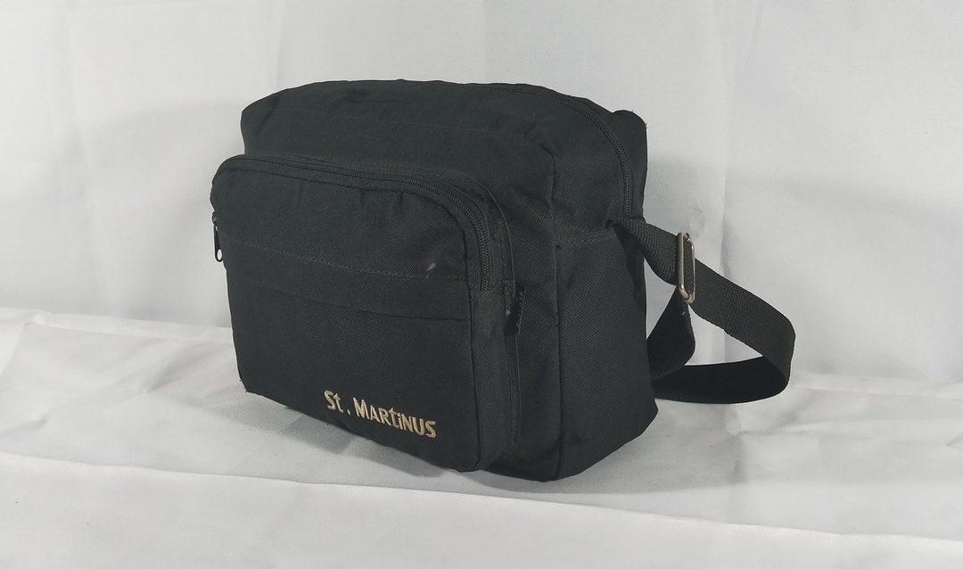 Sling bag tahan air